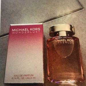 Michael Kors Wonderlust Deluxe mini sample New